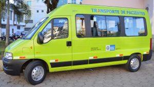 Van para transporte de pacientes recebe serviços de suspensão, retifica de motor, alinhamento, balanceamento e troca de pneus, entre outros reparos.