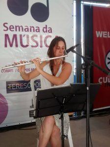 """Trio La Petite Farofa encanta público da """"Semana da Música"""" na Calçada da Fama."""